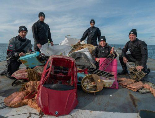 Duikexpeditie bergt 2500 kilo afval uit de Noordzee