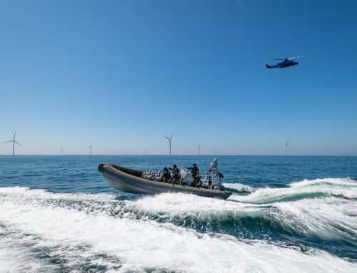 Opruimactie van afval in de Noordzee leidt tot entering van het duikschip door zwaarbewapende politie-eenheid